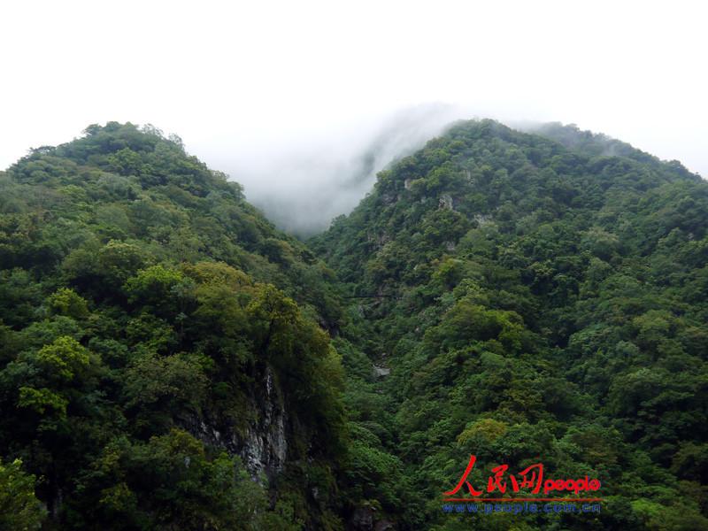 悬崖峭壁。(刘洁妍摄)