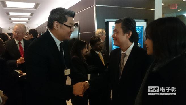 金溥聪 连胜文_连胜文与金溥聪碰面 握手交谈10分钟--台湾频道--人民网