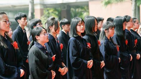 东莞台商子弟学校举办成人礼
