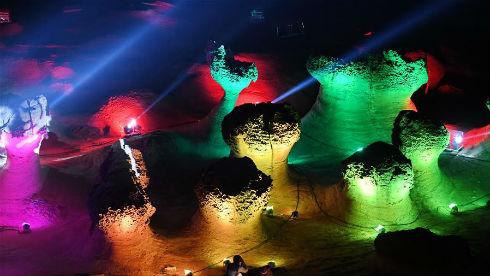 台湾:奇特的野柳石光