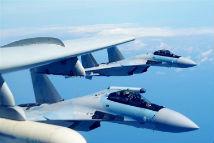 人民空军多型战机双向绕飞台岛巡航