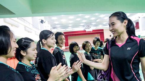 羽毛球——世界冠军王仪涵走进台湾中学传授赢球秘诀