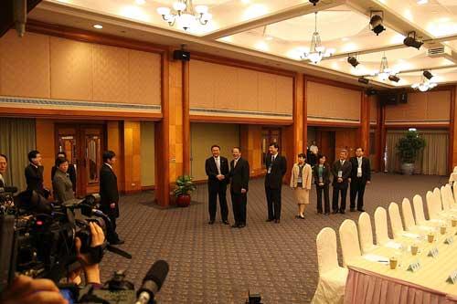 3月31日,ECFA二次协商前,商务部台港澳司司长唐炜和台湾 ...